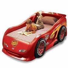 Диван або ліжко для дитини - що краще вибрати?