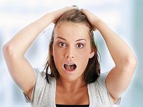 Чому випадає волосся після пологів