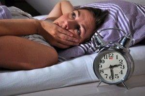 Психологи розповіли, чому важко засипати після важкого дня