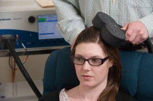 Транскраніальну стимуляцію можна застосовувати для лікування шизофренії